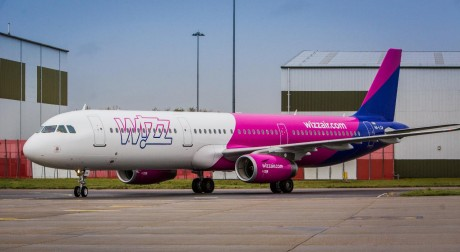 Wizz Air A321 ready for take off
